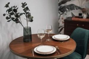 床举高下面做餐厅才27㎡辗转在合肥的打工夫妻也能装成豪宅